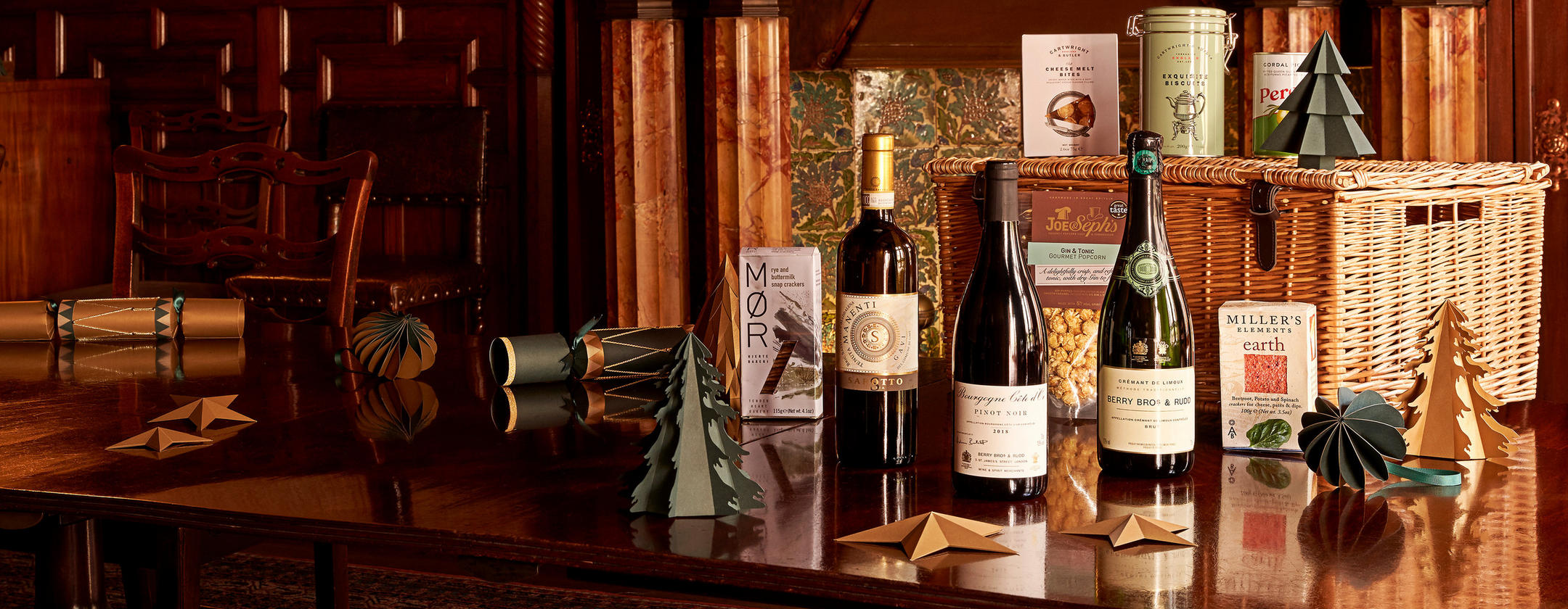 Christmas gifts and hampers _ Discover our fine-wine and treat-filled selection